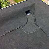 Bitumineuze dakbedekking plat dak met bitumen traditionele wijze van dakdekken moderne materiaal - Bitumen van judee ...